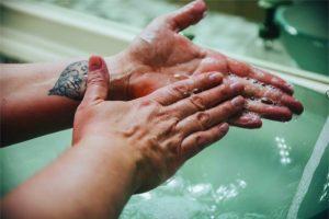 The hand washing step we often forget – moisturizing