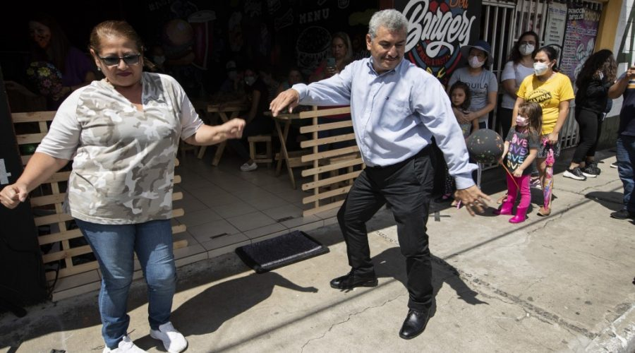 Mourning daughter, a Guatemalan couple find healing in dance