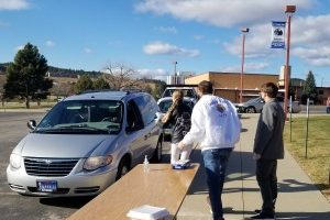 Knights of Columbus distribute turkey dinners for Thanksgiving