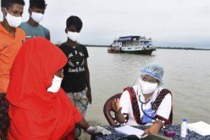 Bangladeshi floating hospital treats flood-ravaged community