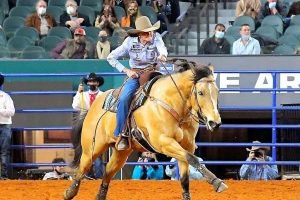 Barrel Racer Lisa Lockhart wins Round 3 at the NFR