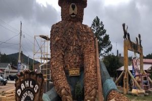 Smokey Bear statue unveiled in Hill City