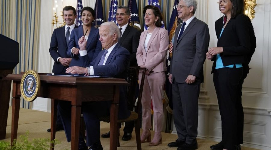 Biden signs executive order aimed at restoring competition in U.S. Economy