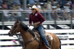 Sawyer Gilbert wins the Breakaway Roping title at Cheyenne Frontier Days
