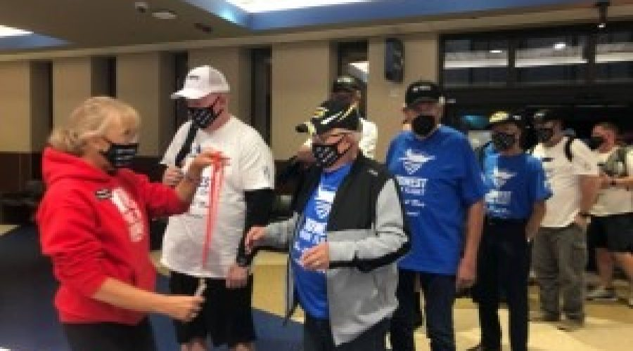 """""""This is a way to give back"""" – meet the volunteers of Midwest Honor Flight"""